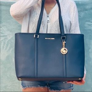 Michael Kors Bags - Nwt Michael kors Sady Navy Large laptop bag